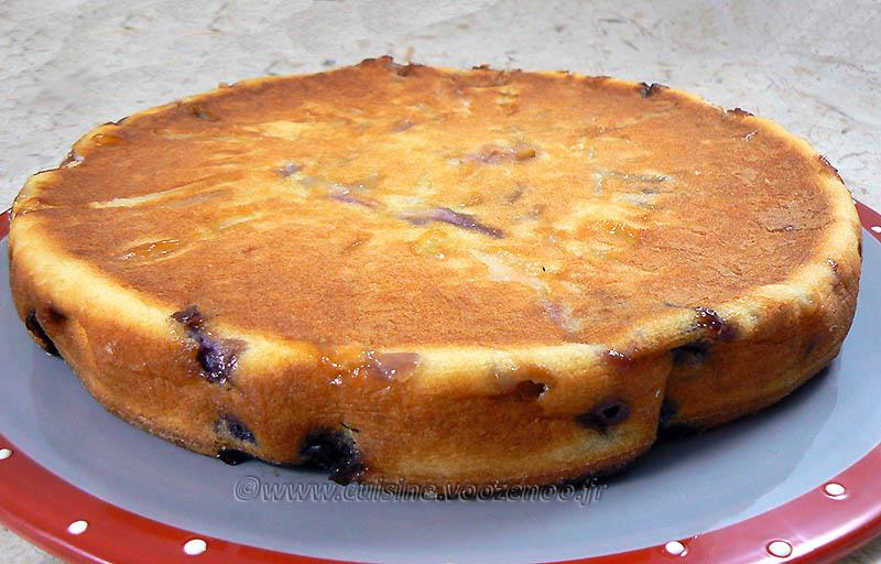 Gâteau aux pommes, myrtille et vanille presentation