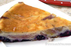 Gâteau aux pommes, myrtilles et vanille