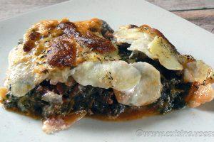 Gratin de pommes de terre aux épinards, coulis de tomates à la viande hachée slider