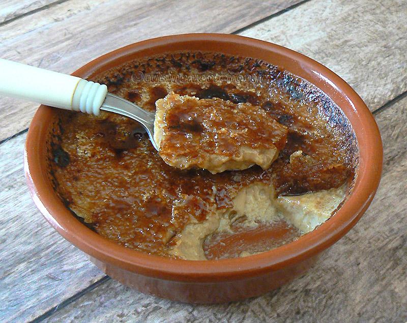 Crème brûlée à la réglisse et café presentation