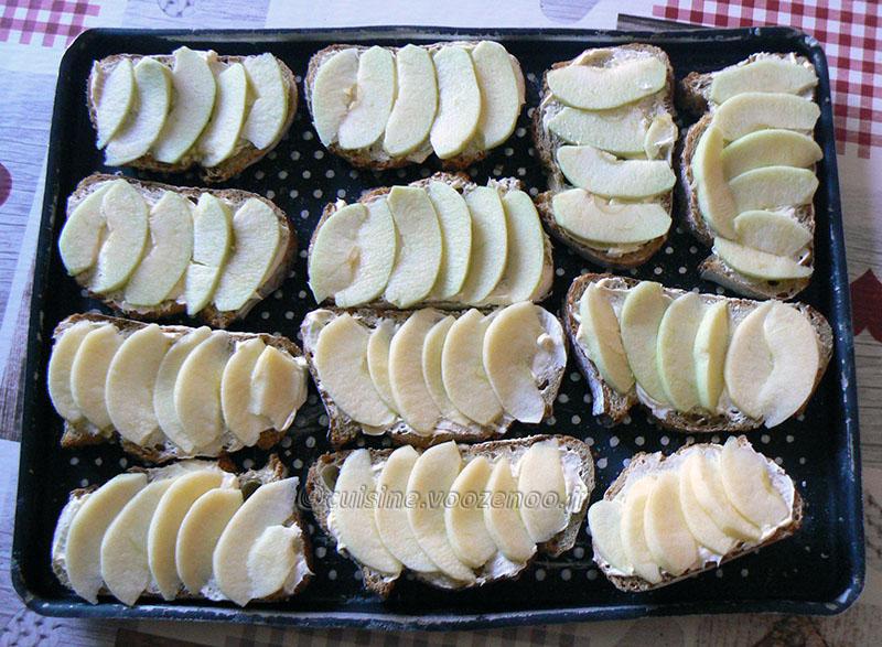 Tartines pomme, chèvre et miel etape2