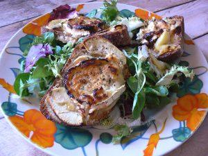 Tartines pomme, chèvre et miel fin