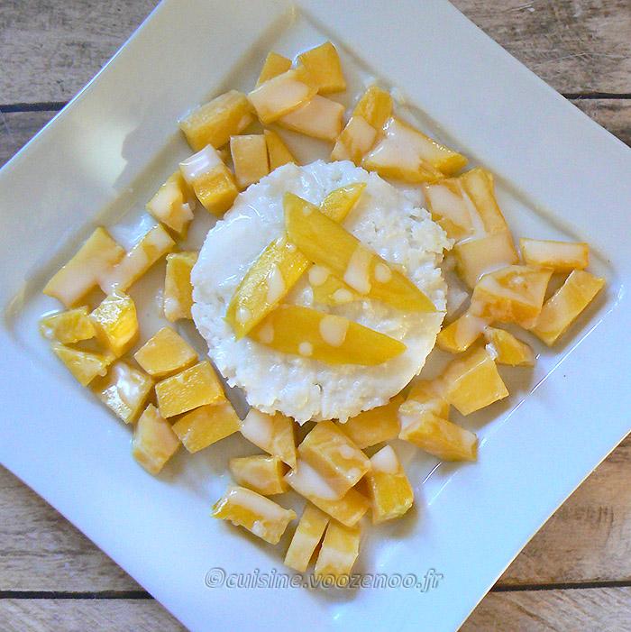 Mangue et riz collant sauce noix de coco fin