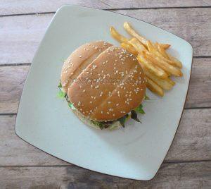 Pljeskavica - le hamburger des Balkans fin