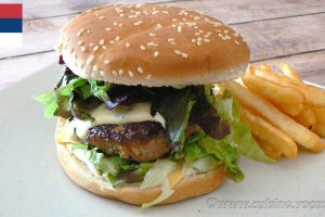 Pljeskavica - le hamburger des Balkans