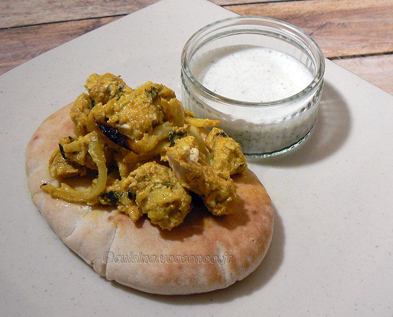 Kebab reshmi de poulet et chutney de menthe presentation