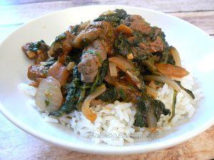Shoko, sauce d'épinards à la viande - Ghana presentation