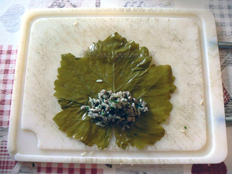 Dolmadakia me kima, Feuilles de vigne farcies à la viande etape6