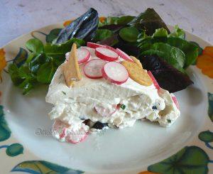 Charlotte au fromage frais, radis et crackers fin2