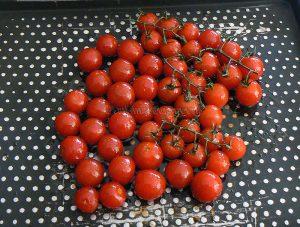 Penne au pesto, tomates cerises rôties etape1