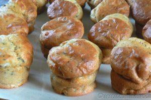 Mini-muffins au chèvre, tomates séchées et parmesan slider