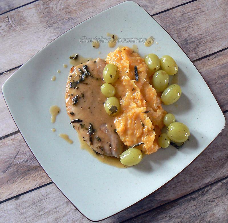 Escalopes de dinde aux raisins, sauce à la sauge et purée de carottes presentation