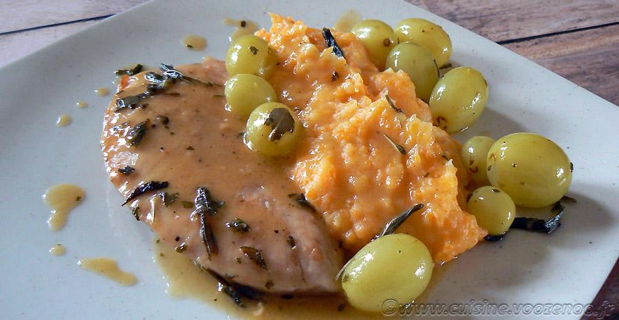 Escalopes de dinde aux raisins, sauce à la sauge et purée de carottes slider